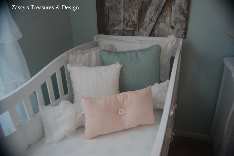 Decorative Pillows For Baby Room : Zassy s Treasures & Design : We re Expecting Twins!