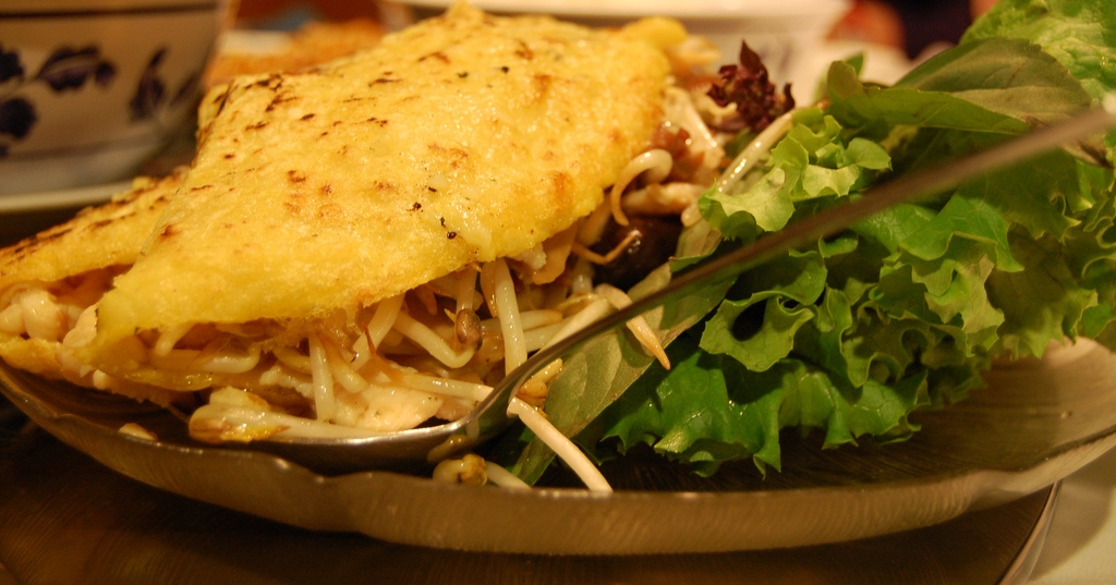 Banh Xeo (Savoury Vietnamese Crepes Stuffed With Shrimp And Mushrooms ...