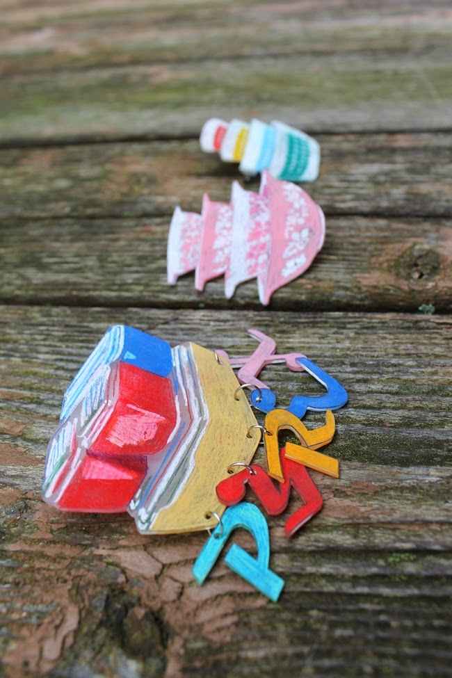 how to make vintage pyrex novelty shrinky dink brooches