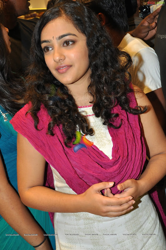 Nithya Menonsexy photoshoothot south Indian actress in cute exposuresHQ gallery navel show
