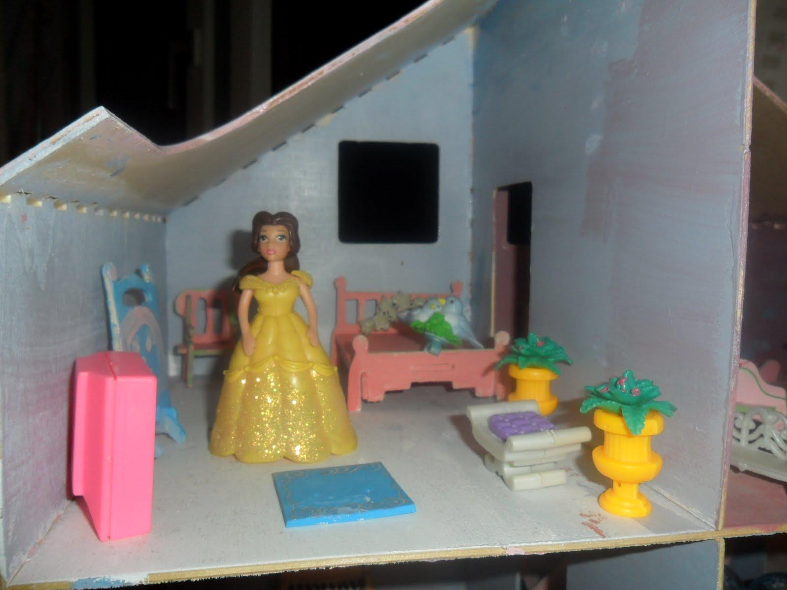 Im kinderzimmer 4 puppenhaus m bel selber gemacht for Prinzessin zimmer mobel