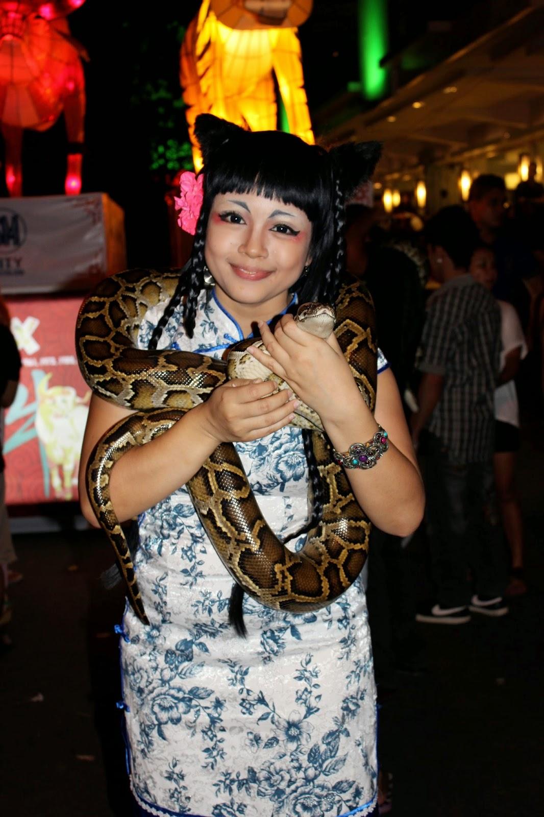 Lara Novales likes snakes