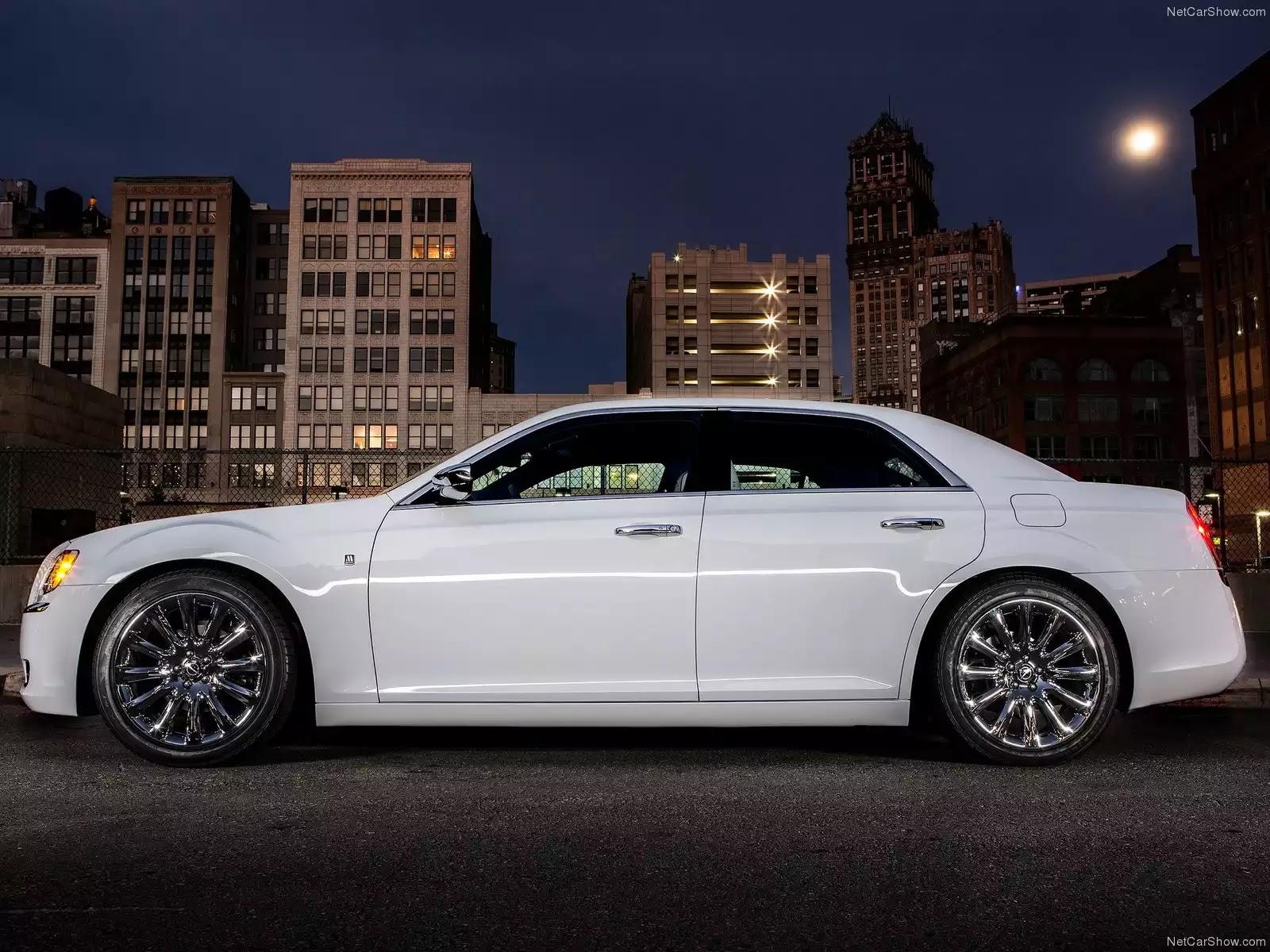 Hình ảnh xe ô tô Chrysler 300 Motown Edition 2013 & nội ngoại thất