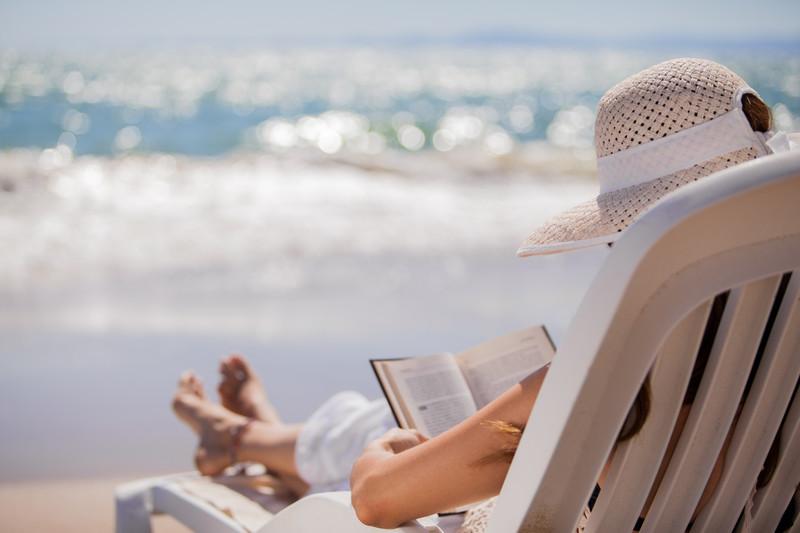 http://1.bp.blogspot.com/-QjC2ZziFQLw/UbUV19kL0vI/AAAAAAAABpk/E4C6_qjERQg/s1600/Beach+Reading.jpg