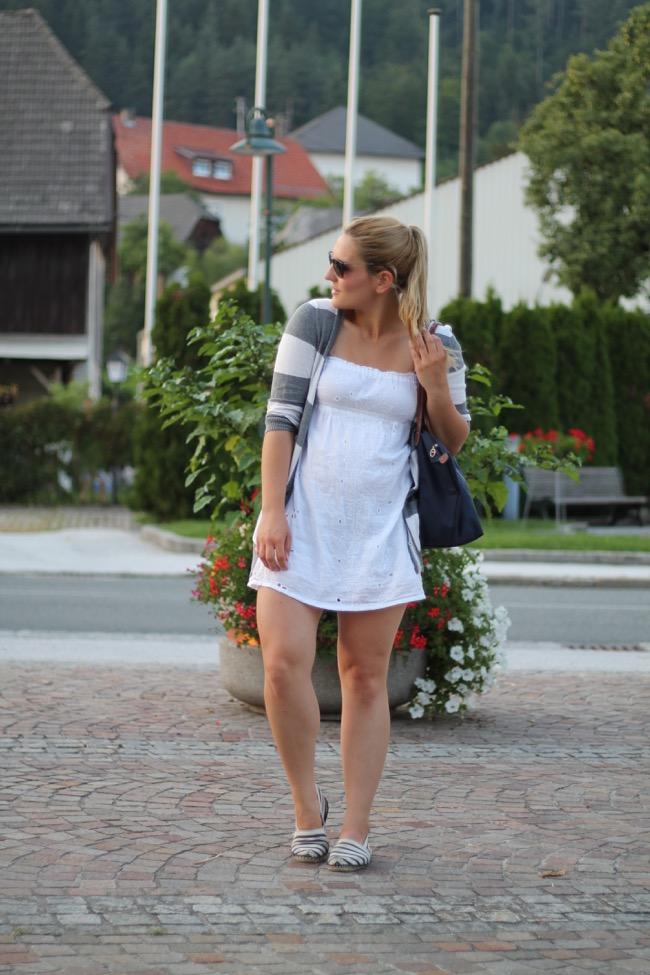 lavender star - how to style - wir feiern den sommer - svetlana - longchamp blau - weißes kleid forever 21 - espadrilles espadrij weiß blau gestreit - ray ban erika sonnenbrille - sommer outfit mit hotpants
