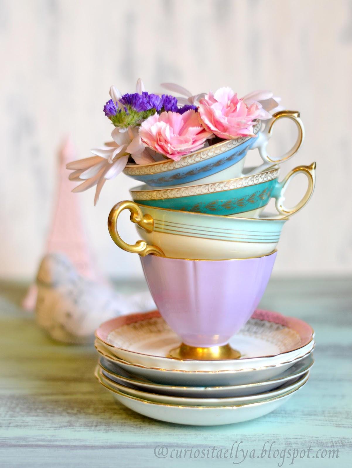 Vintage Cups 18