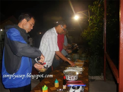 Dinner ala Party. Foto Asep Haryono