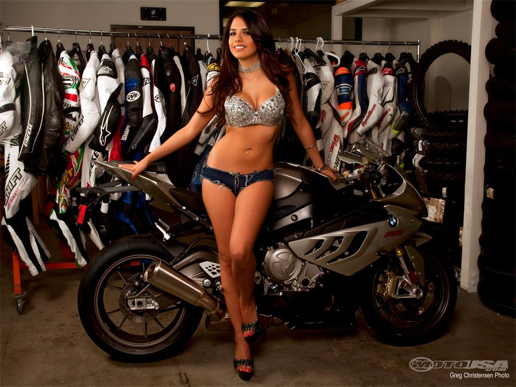 sexy models and streetbikes