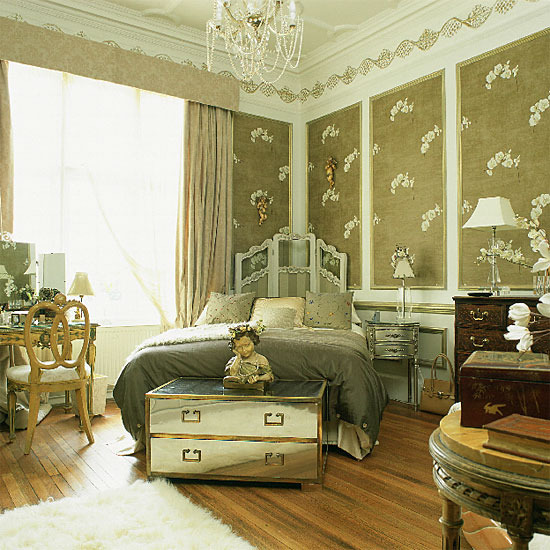 New home interior design glamorous traditional bedroom for Antique style bedroom ideas