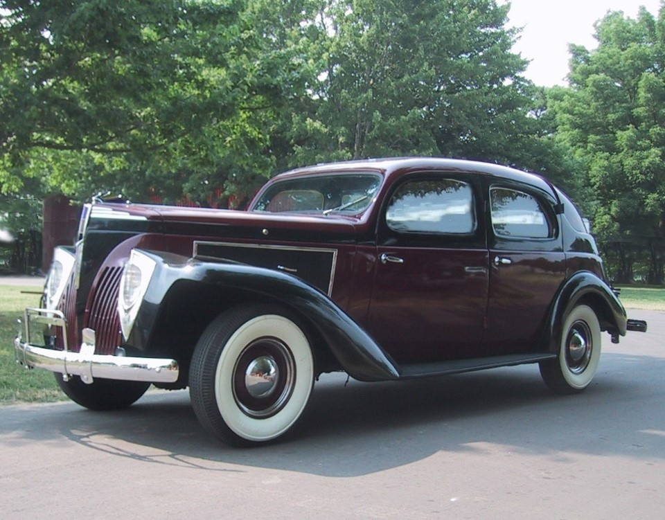 First Automobile Ever Made >> The 1940 Checker Model A - Internet Checker Taxicab Archive