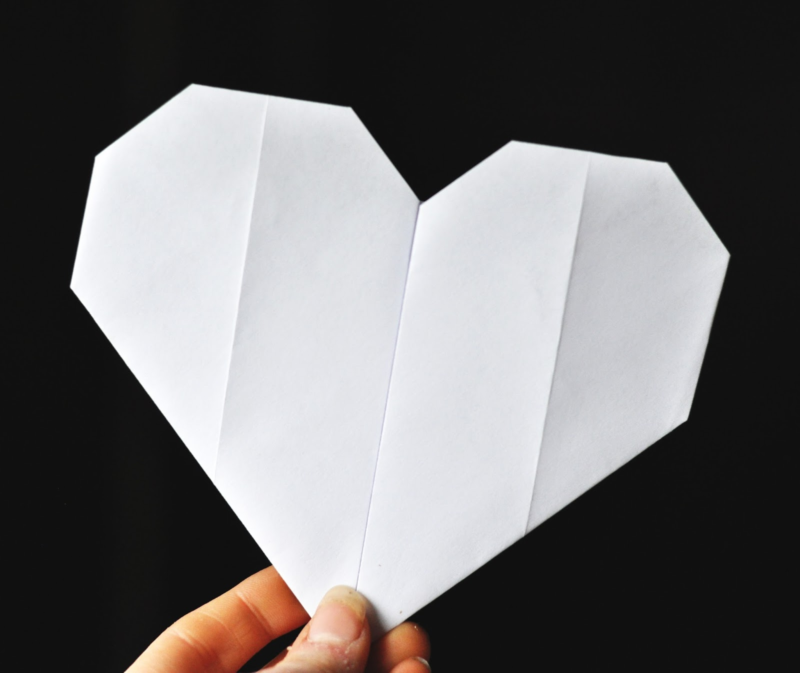 easy paper folding Let the folding fun begin there is a whole bunch of amazing (and easy) origami for kids projects waiting for you on this page - all of these have a step by step tutorials showing how to.