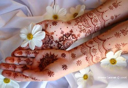 Cách xóa hình xăm henna dễ dàng