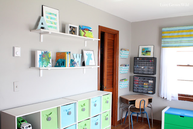 Kid's Playroom Makeover with lots of organizing tips and decor ideas! #playroom #kids #decor