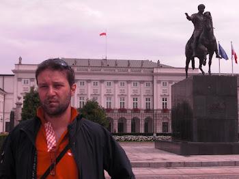 A Varsavia, davanti al mio palazzo (a tutti è lecito sognare...!) (2011)