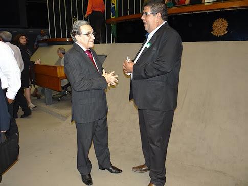 HOMENAGEM A JOÃO AMAZONAS E GABROIS