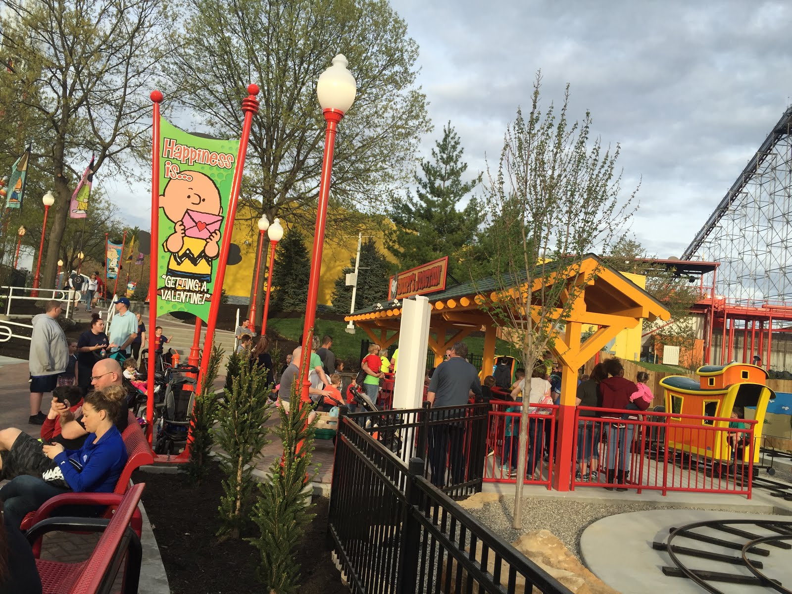 MidwestInfoGuide: Planet Snoopy Preview Night (WOF)