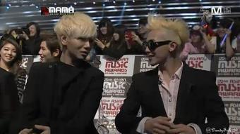 LOL! Yesung & G-Dragon talking to each other ^^ Eunhyuk 2012 Black Hair