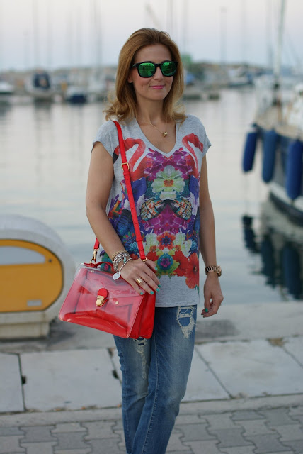 Summer outfit, Oakley mirror sunglasses, flamingo blouse, Marc by Marc Jacobs transparent bag, Fashion and Cookies