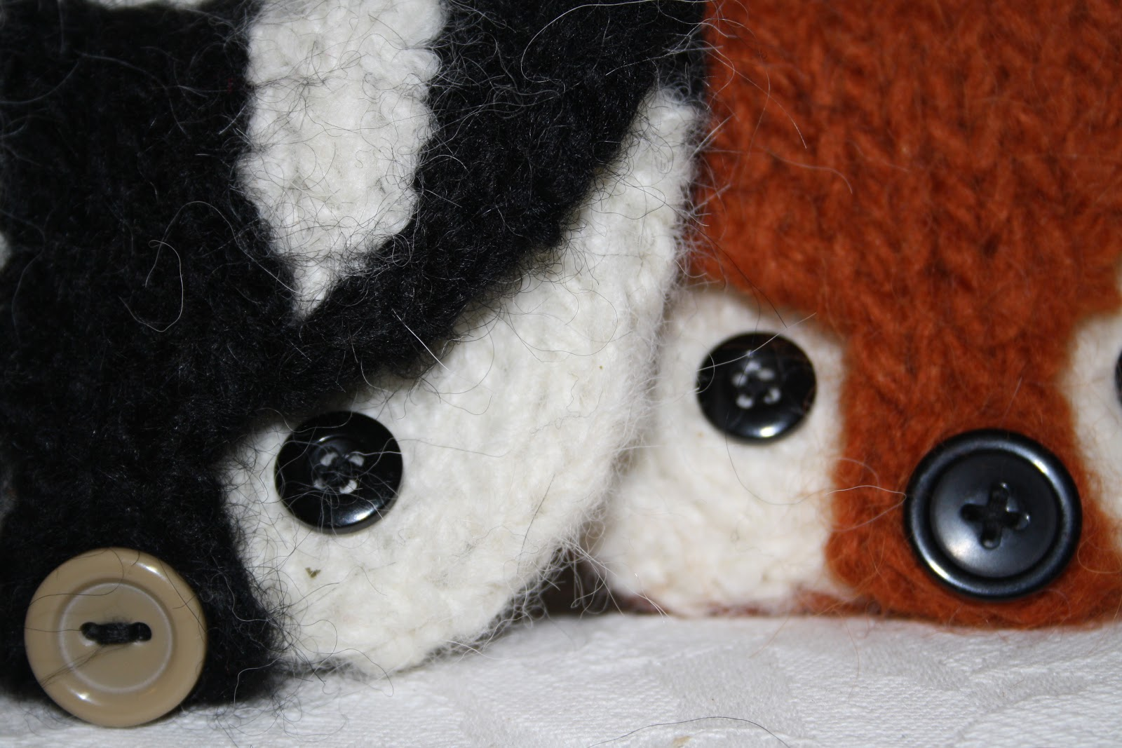 OwlPrintPanda: DIY: Foxy Purse Got Badger Friends