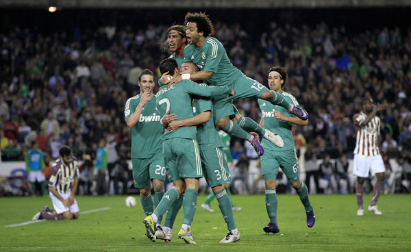 Camiseta Verde Real Madrid 2013  Posibles Dise  Os