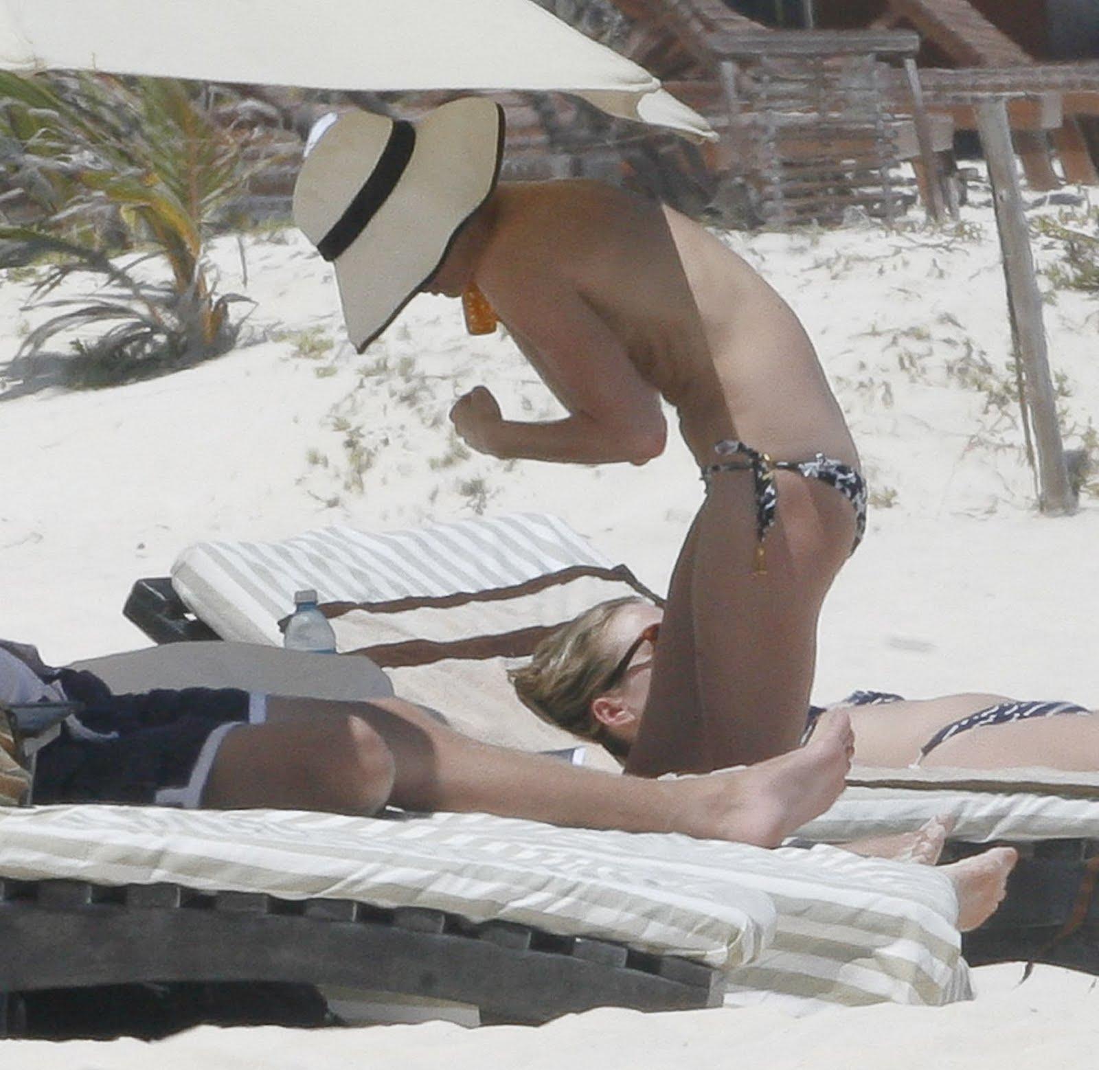 http://1.bp.blogspot.com/-Ql3e00x2KWE/T1sXnP6LQrI/AAAAAAAABNY/3hUstbSmlbg/s1600/Kate+Bosworth+Topless+Bikini+Candids+At+The+Beach+www.Eyeho.com+008.jpg