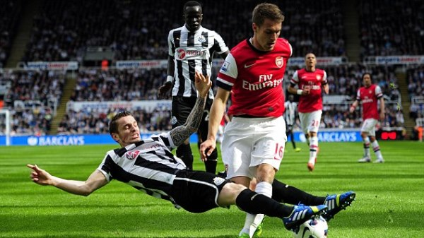 Premier League - Newcastle United vs Arsenal 19/05/2013