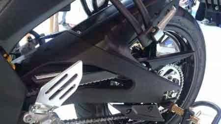 Lengan Ayun Yamaha R15