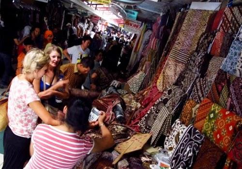 Pasar Beringharjo Tempat Belanja Batik Di Yogyakarta