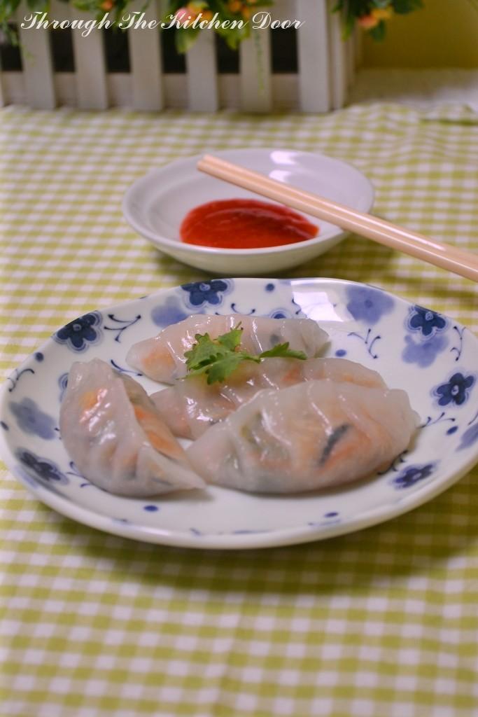 Through The Kitchen Door: Steamed Vegetable Dumpling