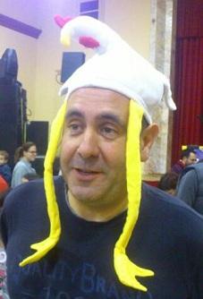 Entre setmana Piscines Lluís, el cap de setmana la gallina del tio Pere...