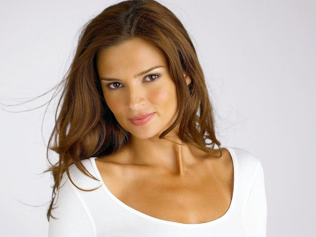 Jennifer Lamiraqui Hd Wallpapers