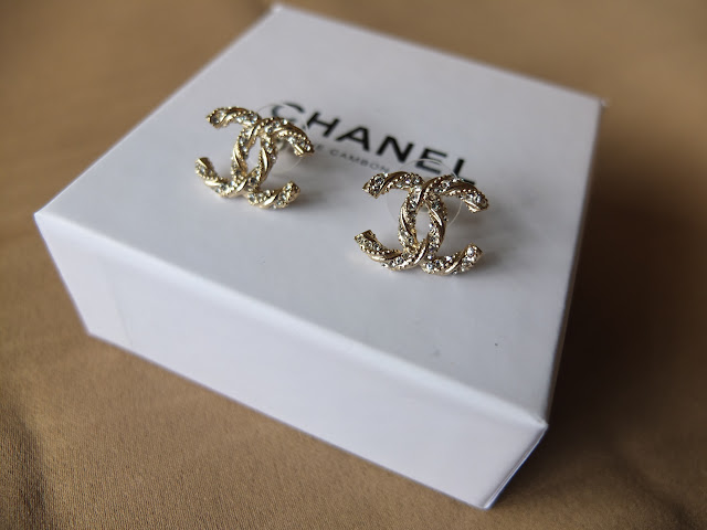 chanel earrings price. (sold) chanel gold intertwined interlocking \u0027c\u0027 with crystals earrings price