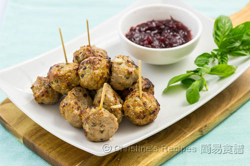 Meatballs with Cranberry Sauce02