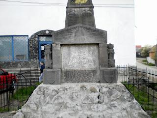 Az alsósófalvi turulmadaras szobor