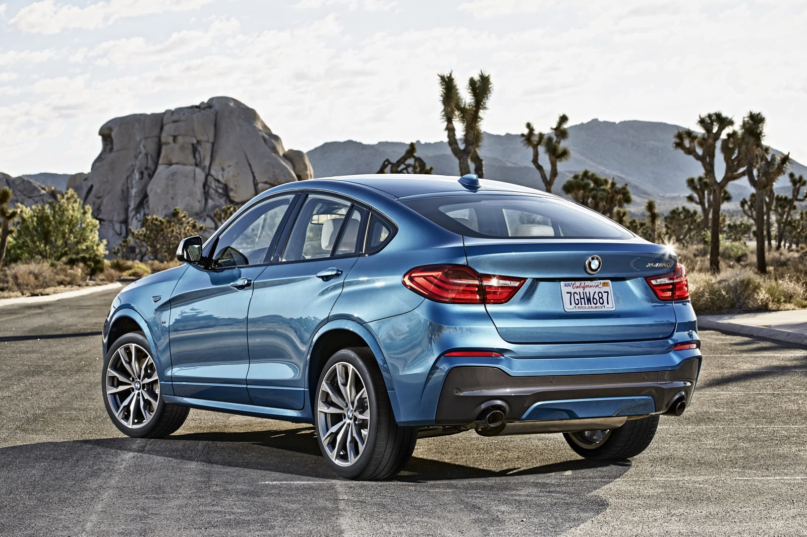 new bmw x4 m40i on sale next february likely has same engine as m2 90 pics carscoops. Black Bedroom Furniture Sets. Home Design Ideas