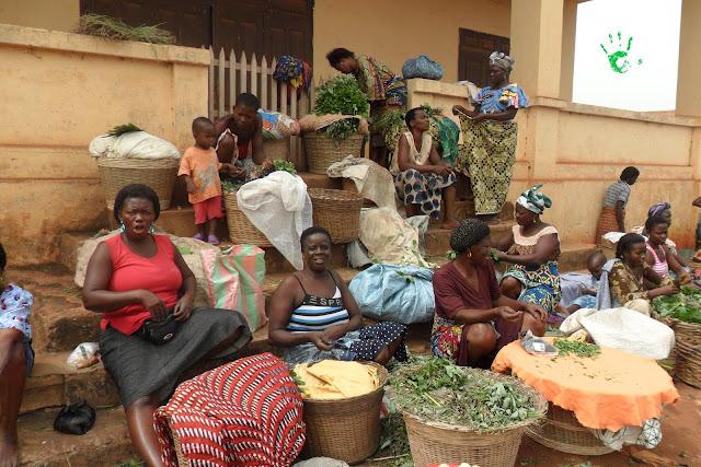 Venditrici al mercato di Noepé, Togo, Africa