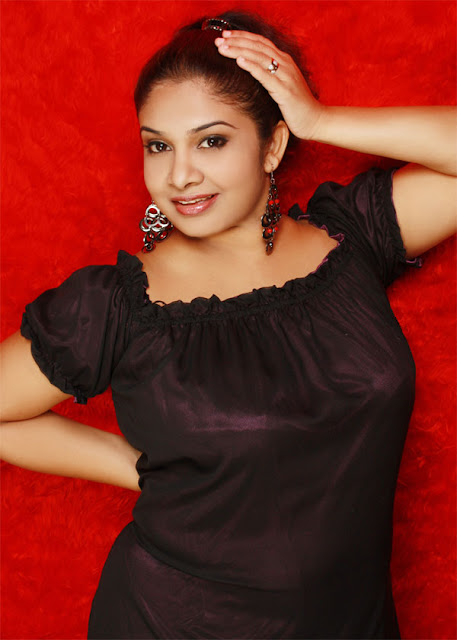 Srilankan Upcoming Singer Chathurika Geethali Letest Image