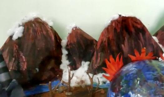 haciendo las montañas de papel