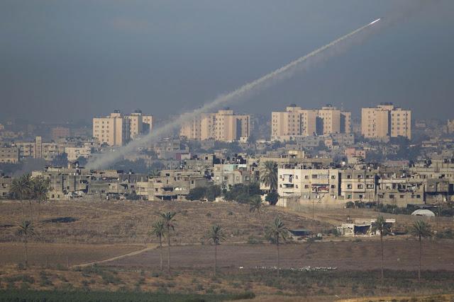 Raketlancering uit dichtbevolkt Palestijns gebied, 15 november 2012.