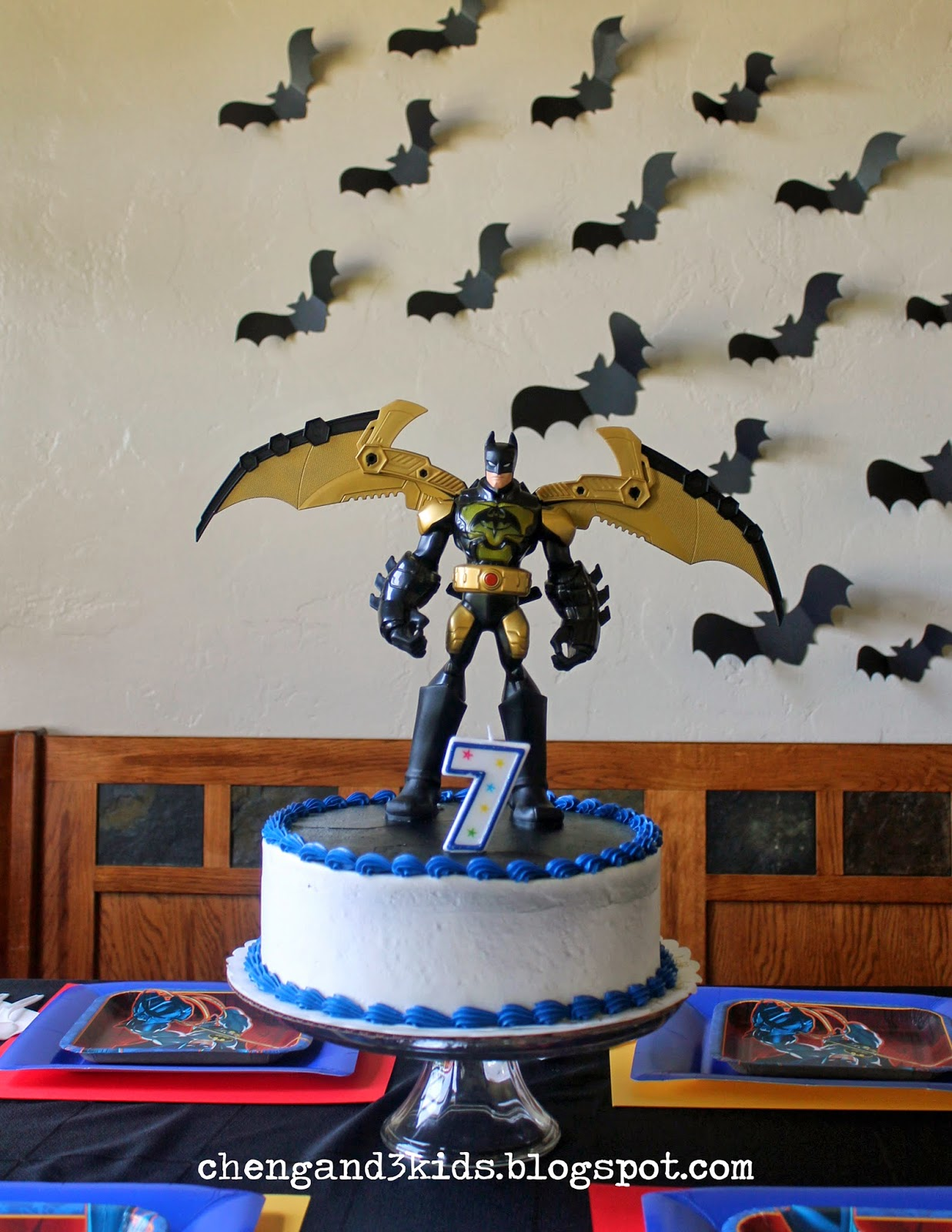 Batman Birthday Cake by Cheng and 3 Kids