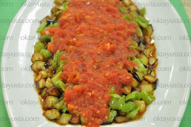 Soslu Patlıcan Tarifi
