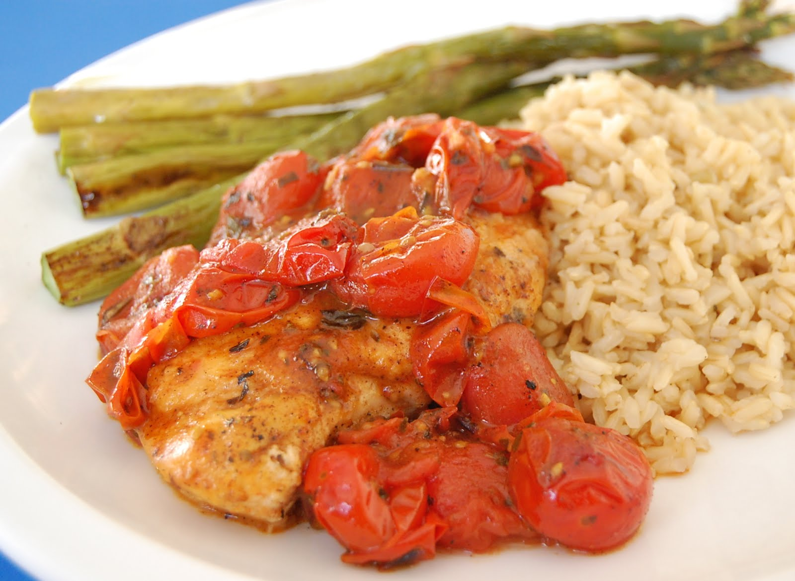Chef Mommy: Chicken with Tomato Pan Herb Sauce