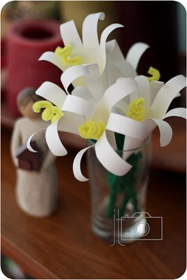 http://thetrendytreehouse.blogspot.ca/2010/04/easter-lilies.html