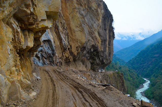 Dangerous roads and bridges: Dangerous Roads In India