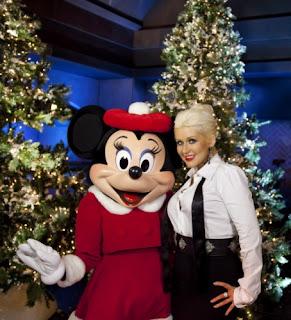 Christina Aguilera Holiday Spirit Pics, Christina Aguilera Christmas Spirit Pics