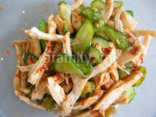 Salad Gà dưa leo kiểu Hàn Quốc chua cay giòn ngon 6