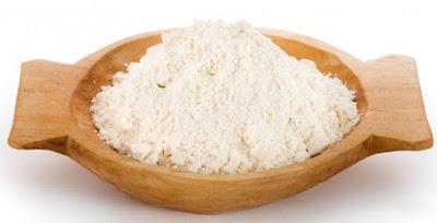 Trị mụn đầu đen ở mũi bằng sữa chua và bột gạo