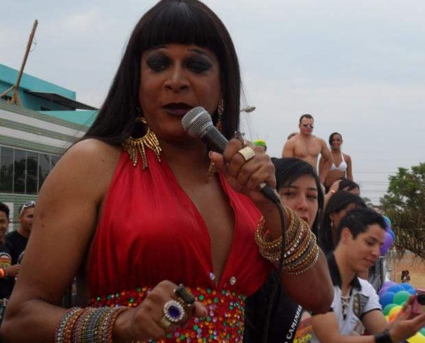 Parada terá participação especial da transformista Silvetty Montilla (Foto: Hernanny Queiroz/Arquivo/Gay1)