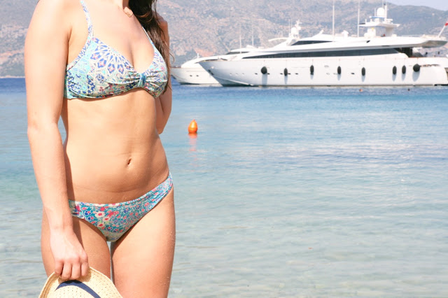 Katherine Penney Chic Blogger Summer Holiday 2015 Kefalonia Island Beautiful View Girl Body Bikini Salty Hair Sunshine Beach