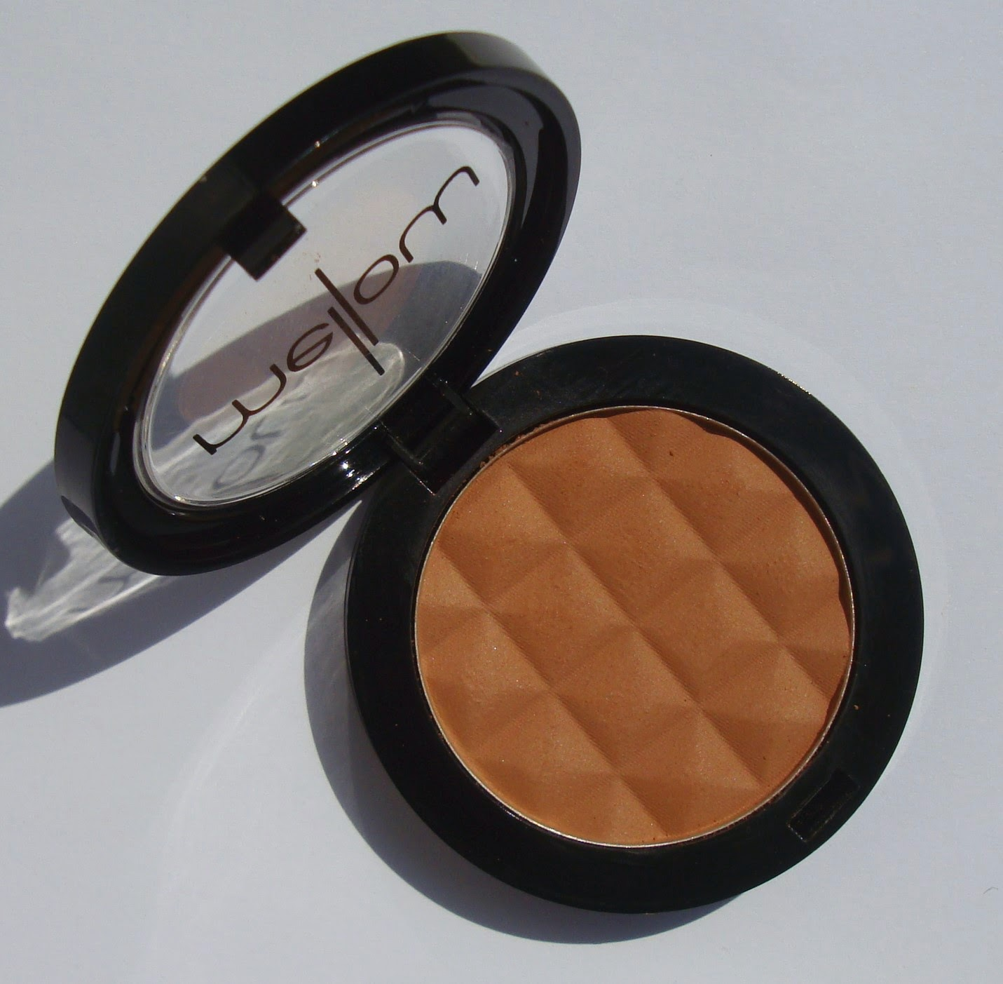 little white truths: Mellow Cosmetics Blush in Bronze - review